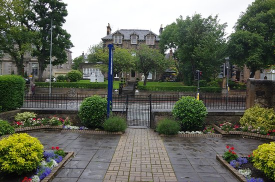 Kew House: Vue depuis l'entrée