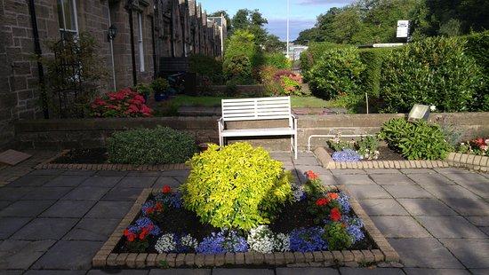 Kew House: Vue sur la cour et le jardin