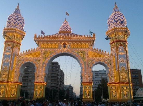 San Juan de Aznalfarache, España: ingreso a la Feria