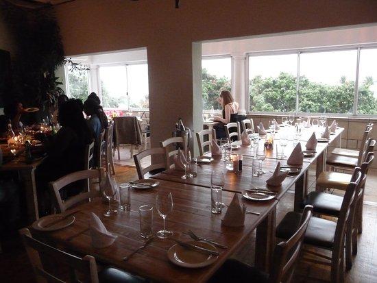 Кэмпс-Бэй, Южная Африка: The Codfish Restaurant dining area