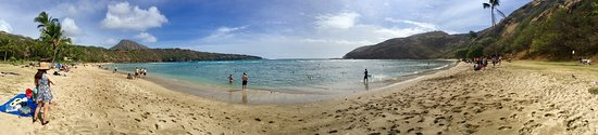 Hanauma Bay Nature Preserve: Panoramic views of the bay