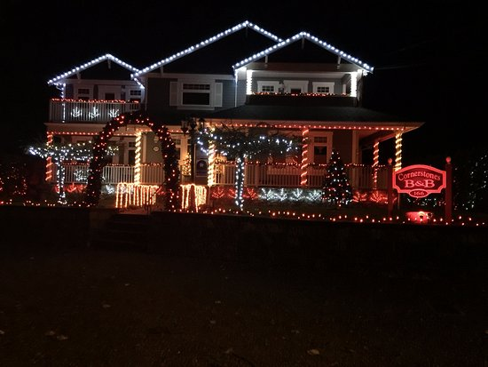 cornerstones bed and breakfast all decked out for christmas