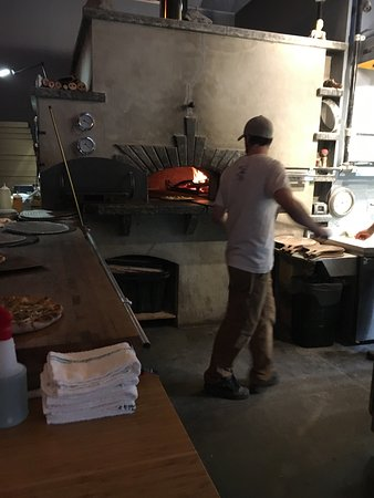 Folino's Wood Fired Pizza: photo3.jpg