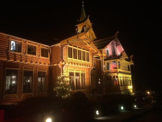 photo7.jpg - Picture of De Fem Stuer, Oslo - TripAdvisor