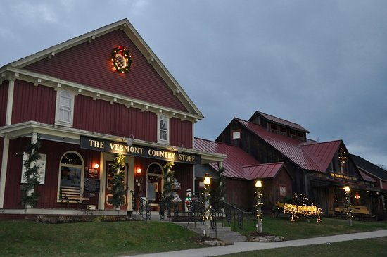 Rockingham, VT: Vermont Country Store - Exterior Holiday Lighting