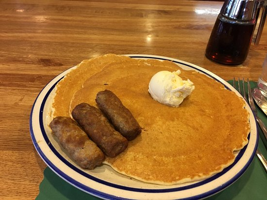 Trego, WI: Great pancakes and service.  I had the short stack with sausage!  I will stop again if I'm in th