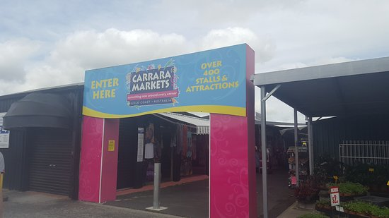 Carrara, Australia: Market entrance