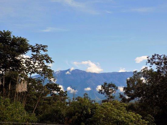BEST WESTERN Hotel Zima: Vista del Cerro Chirripo, la montaña mas alta de Costa Rica, vista desde la recepcion.