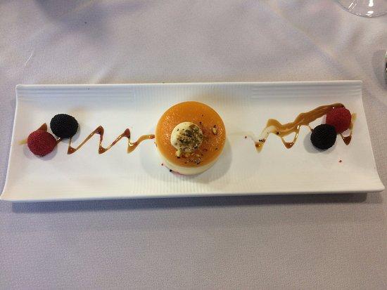 Sant Julia de Loria, Andorra: Pastel de queso y mango