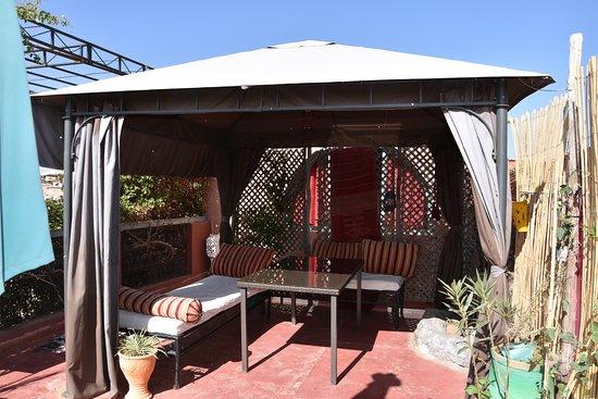 Riad Al Nour: La Terrasse devant la chambre