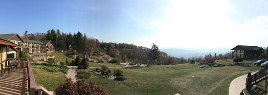 Switzerland Inn: Panorama from Alpine Suites room