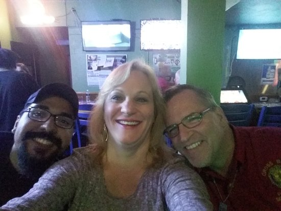 Gulfport, FL: Karoke buddies