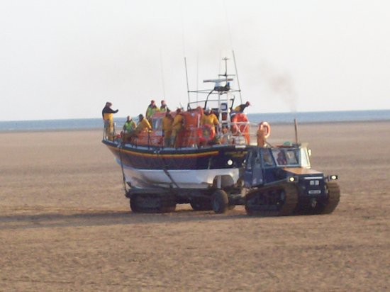 Lytham St Anne's, UK: St Annes Lifeboat being brought back by tractor