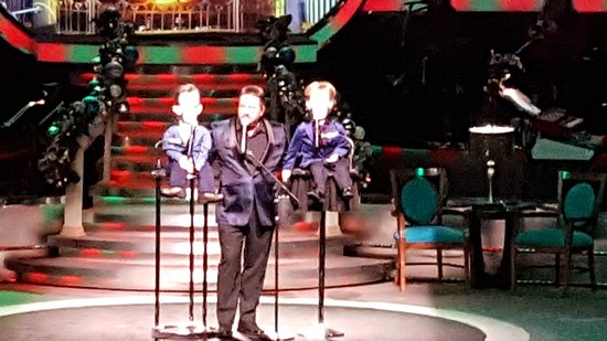19 New Terry Fator theater Seating