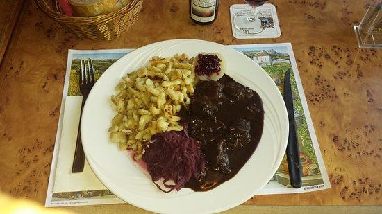 San Bernardino, Szwajcaria: Piatto autunnale, cervo, crauti e spaetzli, fantastico !