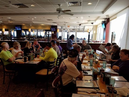 Jensen Beach, Floryda: Our members at Shuckers