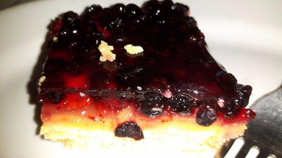 Lizzano in Belvedere, Italia: torta mirtilli