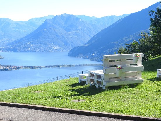 Serpiano, Switzerland: jardines