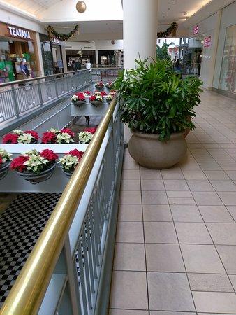 San Mateo, CA: Hillsdale Shopping Center