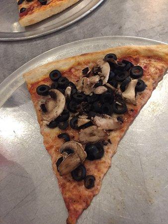 Aniello's Pizzeria: photo1.jpg