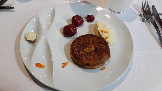 Brie-Comte-Robert, France: Pastilla au poulet