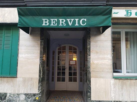 Le Bervic Montmartre: 20161127_093712_large.jpg