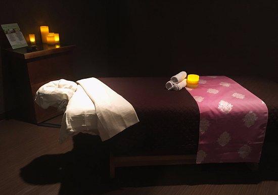 Spa at Flamingo Las Vegas : Treatment room.