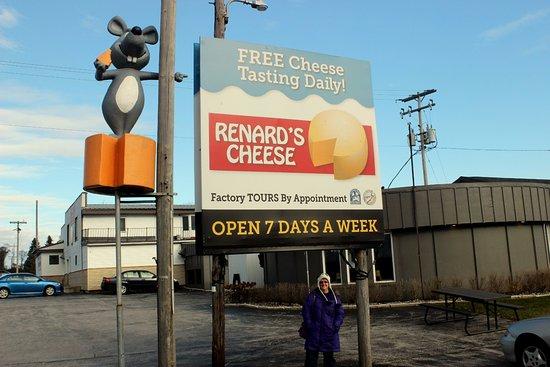 Sturgeon Bay, WI : Renard's Cheese (Algoma location)