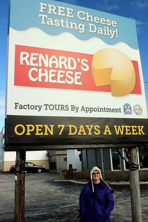 Sturgeon Bay, WI : Renard's Cheese factory tour