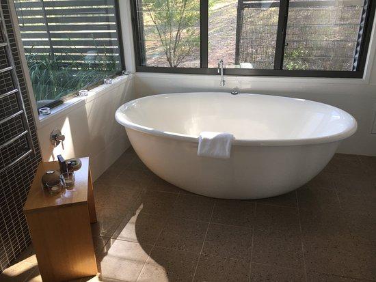 Wollombi, Australia: A huge bathtub