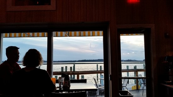 Grasonville, MD: Bridges Restaurant
