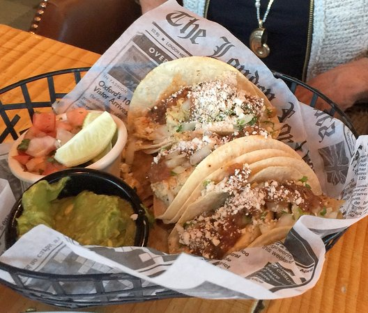 Brooks' Bar & Deck at Edgewood Tahoe : tacos