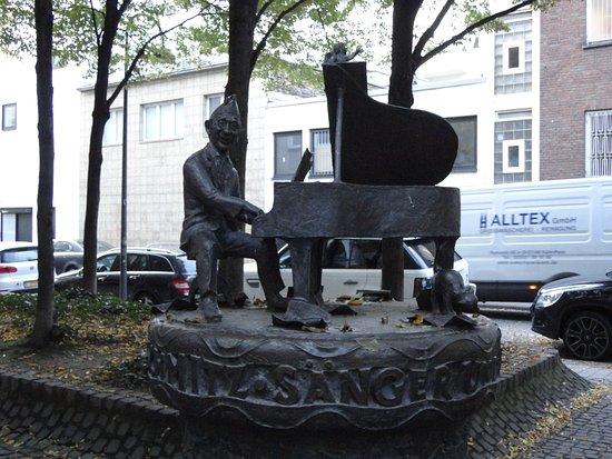Jupp-Schmitz-Denkmal