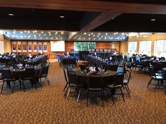Burnsville, MN: Event Center hosting 200 Guests