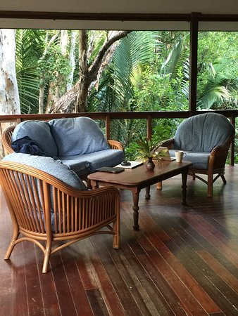 Kewarra Beach, Australia: Our porch where we spent most of our time.
