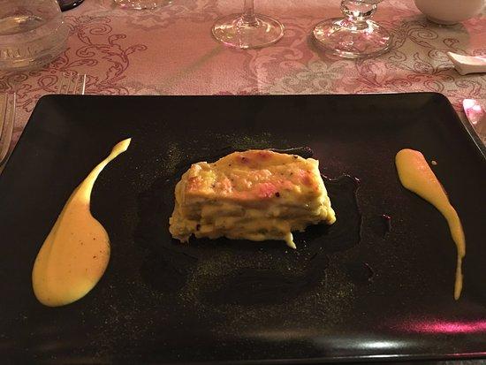 Cerreto di Spoleto, Italia: Sformatino di cardo con crema di tartufo