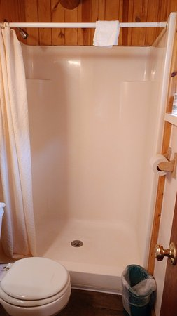 Vadito, NM: The shower in the bathroom