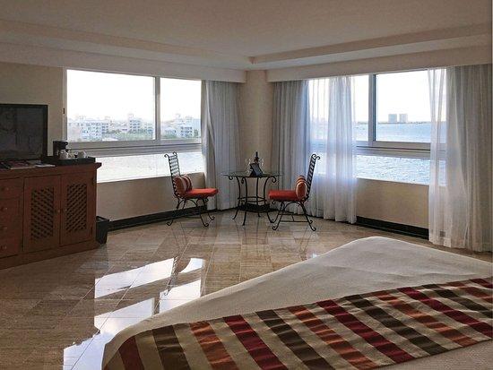Grand Oasis Palm Junior Suite Nice Cozy Corner With Ocean View
