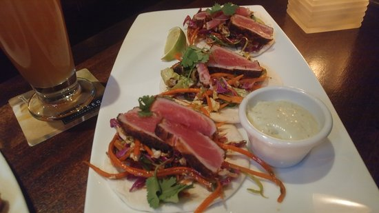 Chandler, AZ: Tuna Tacos casual plate, and Garlic Cheese Toast