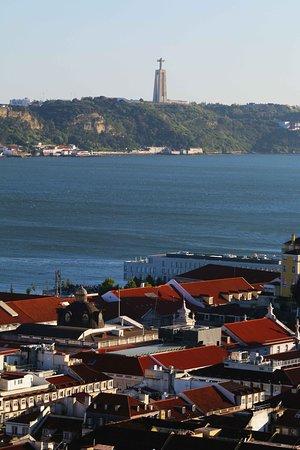 Alojamento Local Santo Tirso: Lisboa cristo. Blog: unachicatrotamundos.com
