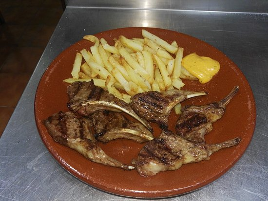Alora, Spanyol: Restaurante Asador Fuente Nueva