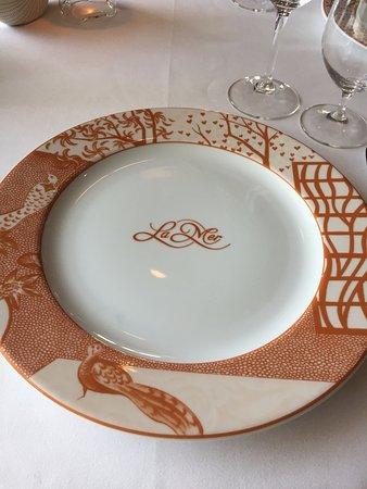 La Mer -  L'Aperitif: Table Setting