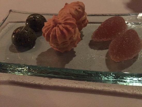 La Mer -  L'Aperitif: Tasty Treats