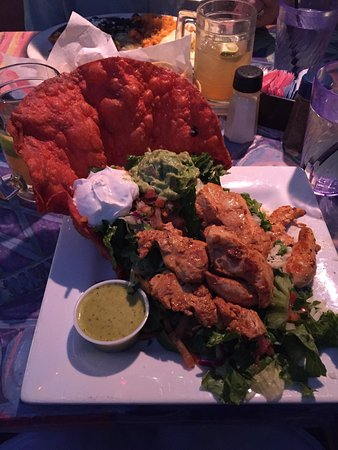 Blue Coyote Grill: Amazing chicken tostada salad