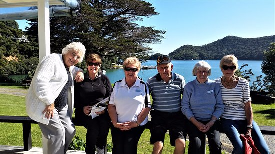 Great Barrier Island, New Zealand: Some of the Murphys Travel Team