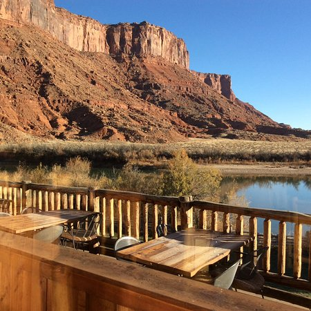 Red Cliffs Lodge: View from Cowboy Grill dining room.