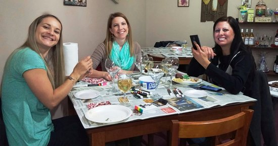 Centerville, IA: Wine glass painting participants