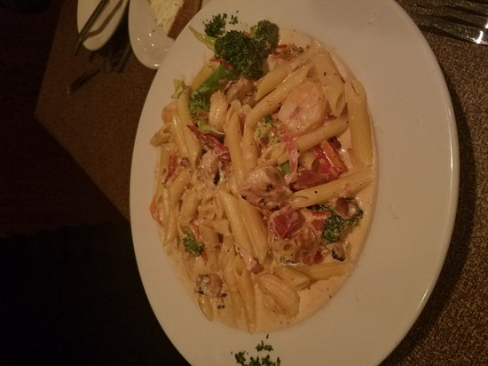 Labadie, MO: Chicken Oscar, Penne Pasta with Chicken & shrimp, and Grulled Salmon.