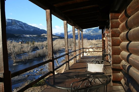 Nye, MT: Lodge sits on the banks of the pristine Stillwater River.