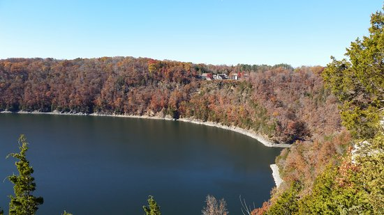 Burkesville, KY: Dale Hollow Lake State Resort (Mary Ray Oaken Lodge)